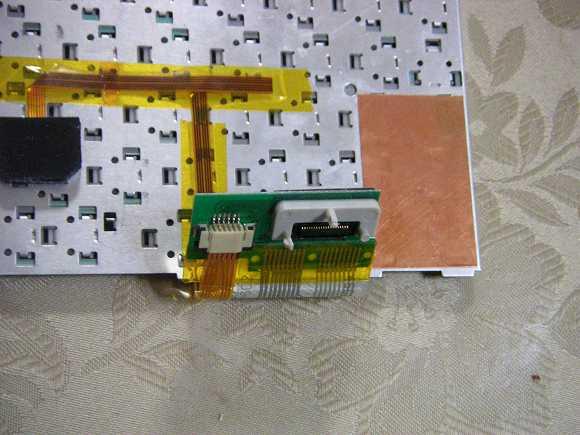 MPC-206VL-01キーボードコネクター